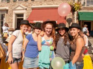 girls-in-hats-350x260